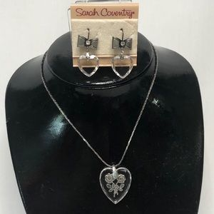 Sarah Coventry Vintage Glass Heart Earring…